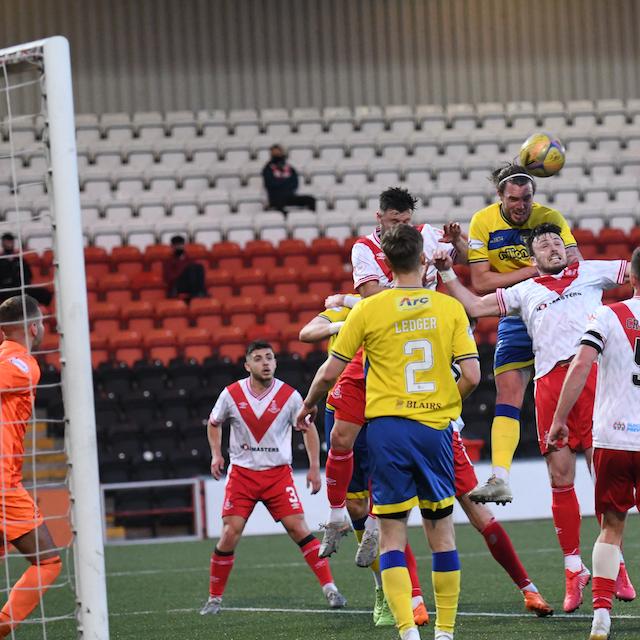 Morton take control of play-off final
