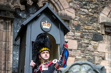 Pipers called on to commemorate WWII Battle