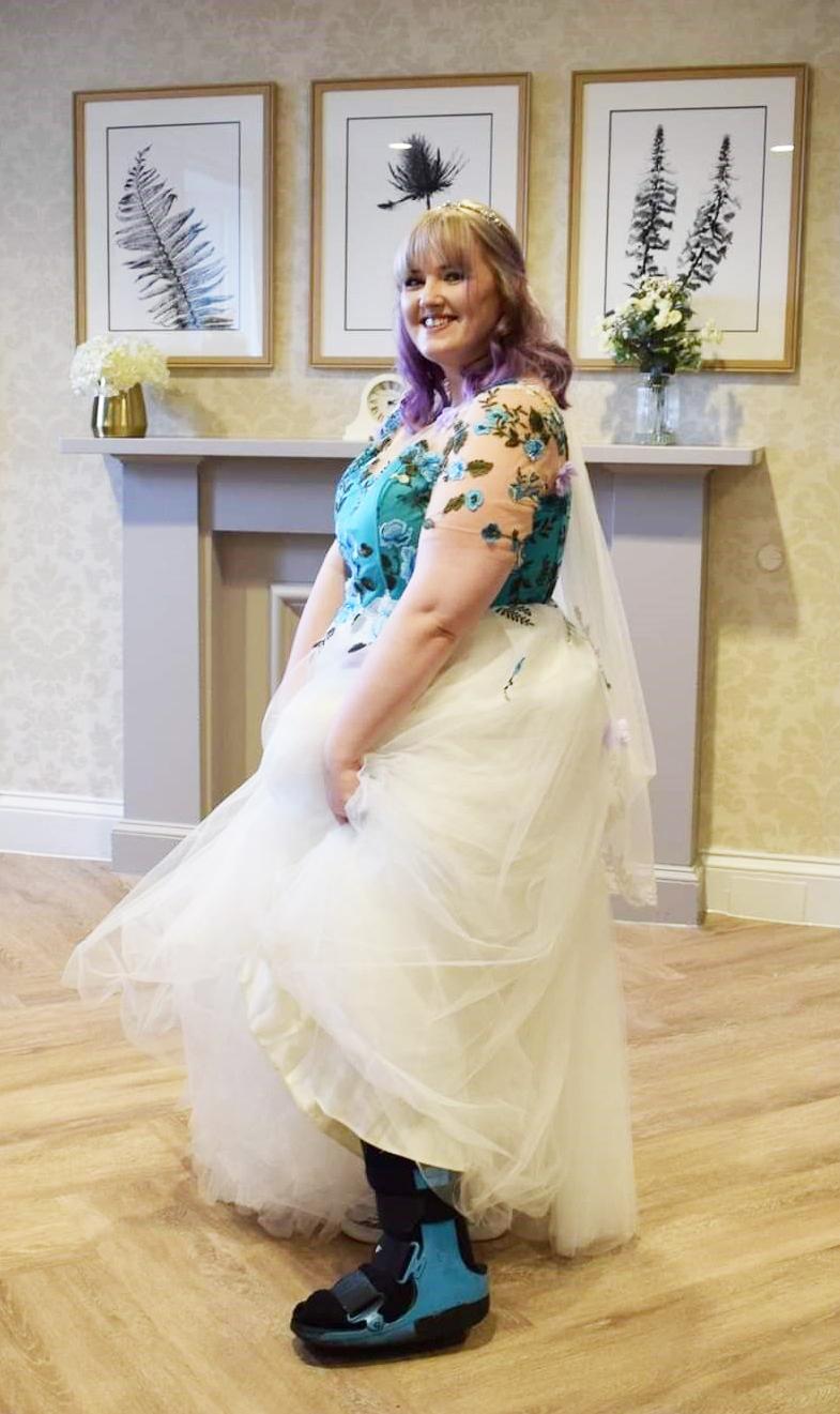 Stookie bride sues