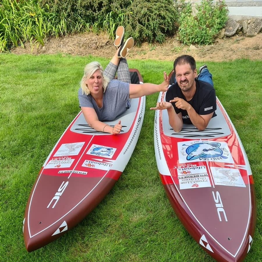 Pair paddleboaring around Britain to visit Bute